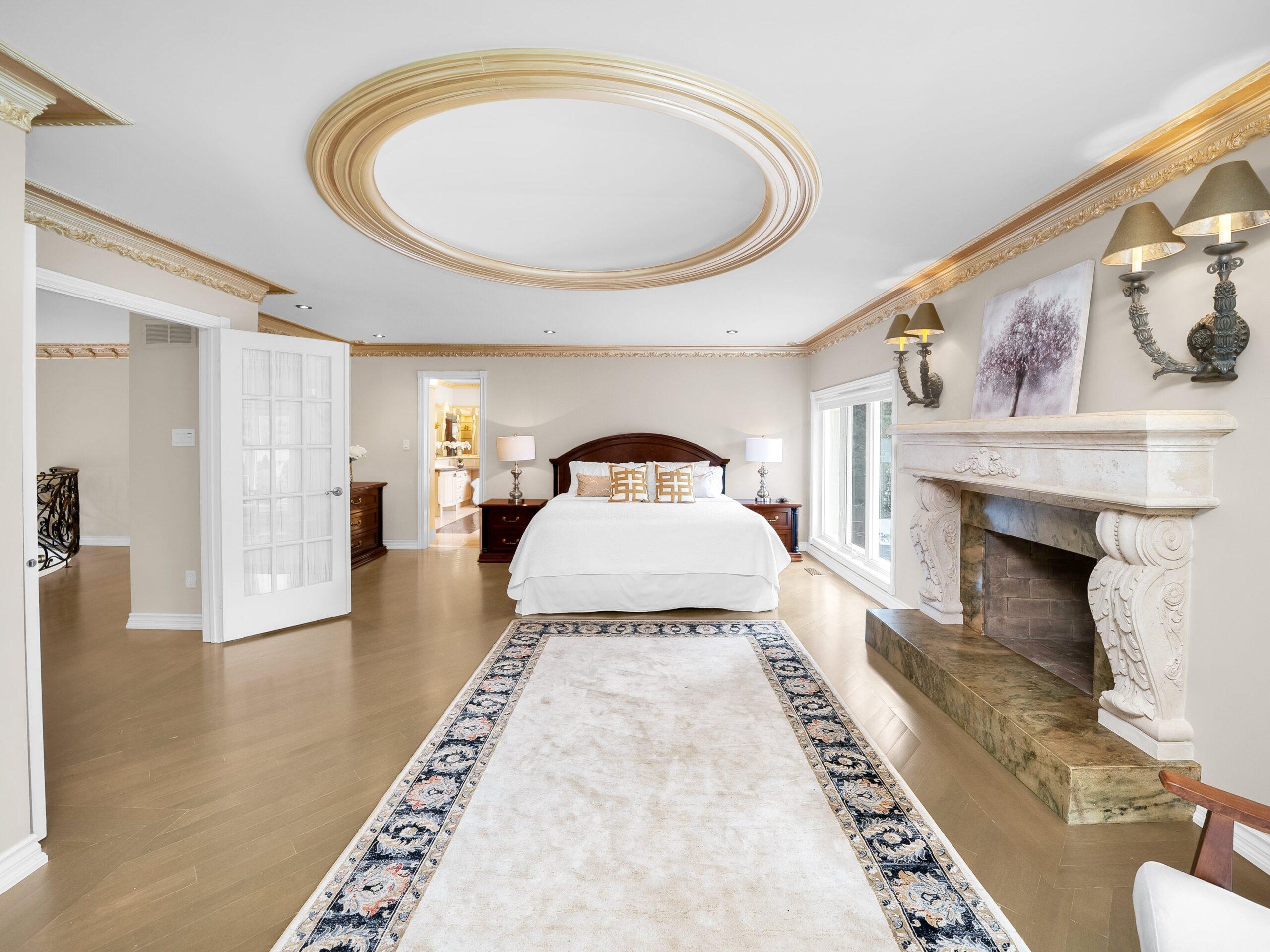 038-Primary Bedroom-4200x3151-min